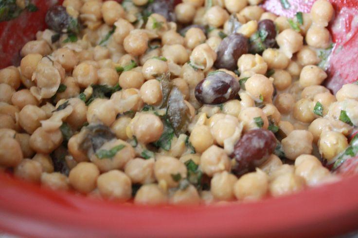 Garbanzos con salsa tahin y menta
