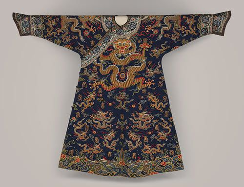 Robe, Qing dynasty (1644–1911), 17th century - China  Silk and metallic thread tapestry (kesi)