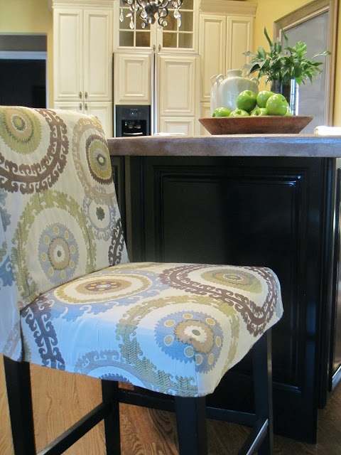 tutorial on slipcover for bar stool