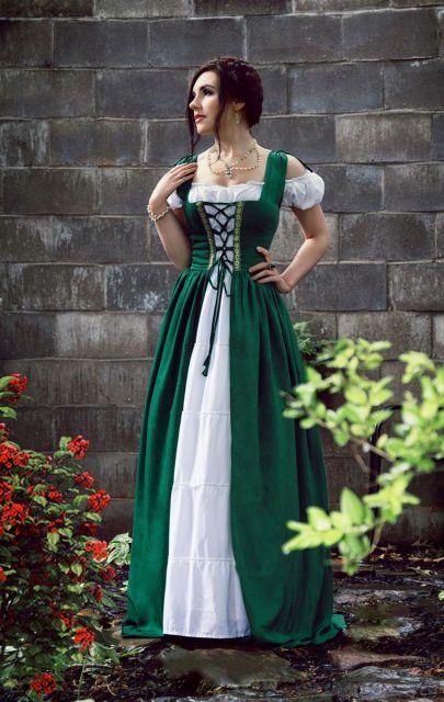 IDD Renaissance Medieval Irish Costume Over Dress & Boho Chemise Set.