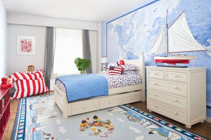 дизайн детской в морском стиле с картой мира