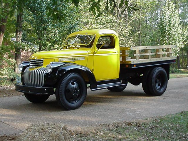 This Is A 1946 Chevy Truck I Red Back In 2004 6 Volt Inline Cylinder 1 5 Ton Flatbed Lots Of Fun Trucks