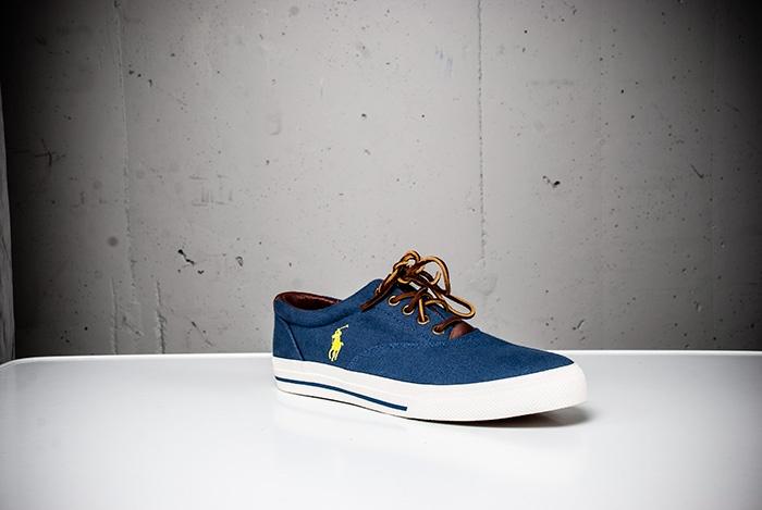 Skor från Polo Ralph Lauren. Wårdhs väljer mode i storstaden i sommar 2013. @Täby Centrum