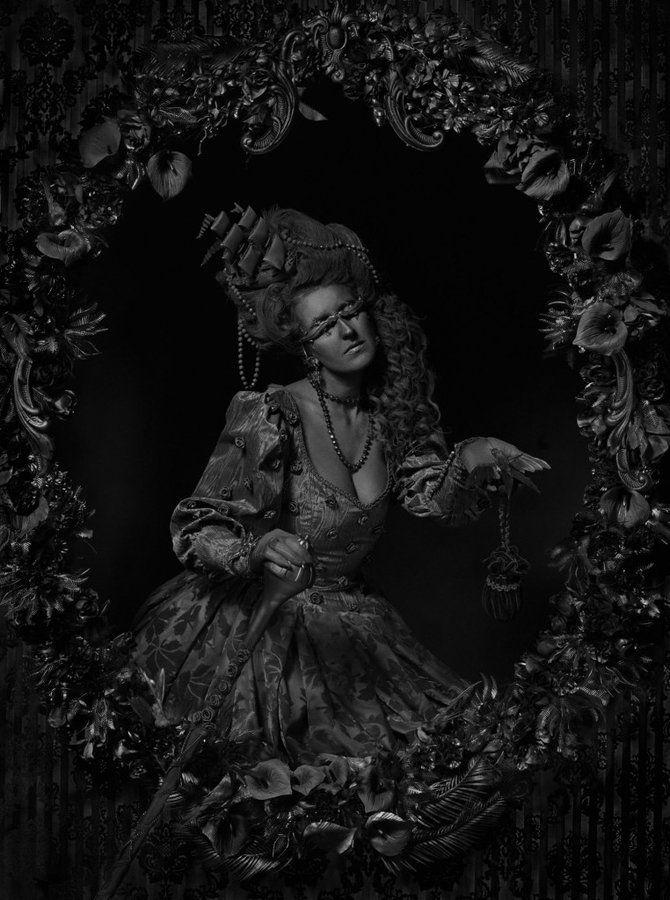 Photograph | Erwin Olaf | Black Beauty