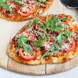 BLT Naan Pizza Recipe with Bacon, Arugula & Tomato