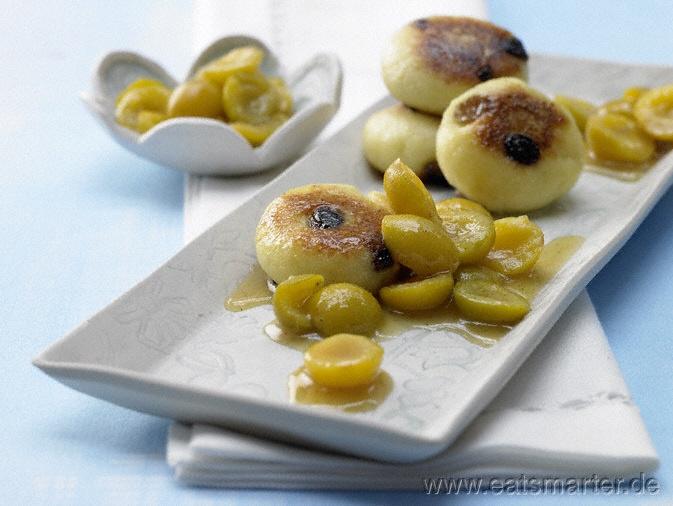 Quarkkeulchen - smarter - mit Mirabellenkompott. Kalorien: 489 Kcal | Zeit: 35 min. #recipe