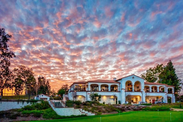 Scenic Orange County is home to the beautiful active adult community of Laguna Woods Village. As one of the largest 55+ communities located on the West Coast, Laguna Woods Village consists of 12,736 residences that come in a variety of styles, designs, and prices.