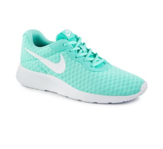 Nike Tanjun SE Women's Running Shoe $69.99