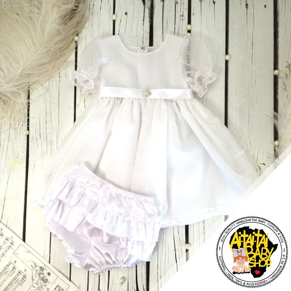 This product forms part of our girls clothing collection.  All of our products are handmade by Ai-tai-tai Baby Shop using only high quality materials. We pride ourselves in the quality of our clothing and products. Our products come in a variety of colors and styles. So all you have to do is pick your favorite or start your own Ai-tai-tai collection by purchasing from our online store. All our products are proudly manufactured by Ai-tai-tai Baby Shop. Visit our online shop to see more!