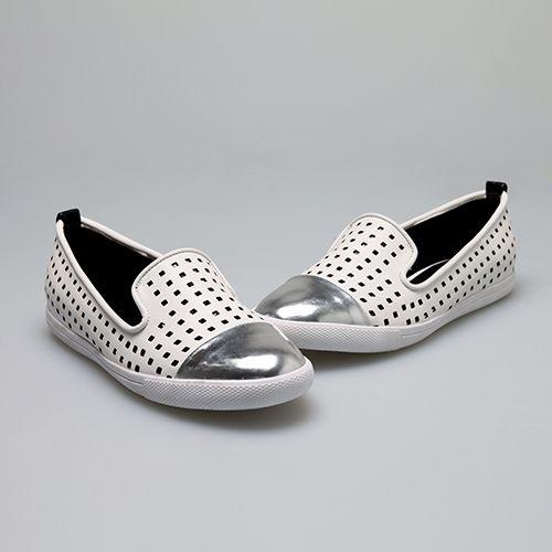 페르쉐, 메탈 슬립온 슈즈 '레아' 제안 http://www.fashionseoul.com/?p=26931