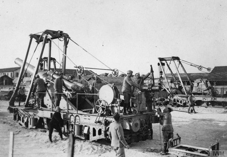 "WWI covered live on Twitter: ""Part 4 - French 240 mm railway gun assembling on its truck at Mailly-le-Camp Apr 5 1916 https://t.co/h3Joqu4sBw https://t.co/oVT5XM6kSz"""