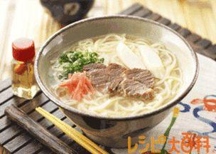沖縄そば(スープはすべてゆで汁で)