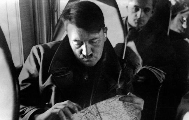 Governatore della Polonia occupata. Responsabile di milioni di morti. Impiccato a Norimberga. Per il figlio, ancora oggi, Hans Frank incarna il male assoluto. Un male che può tornare: «Quando vedo la xenofobia in Germania penso: per fortuna è morto, se fosse vivo sarebbe contento»
