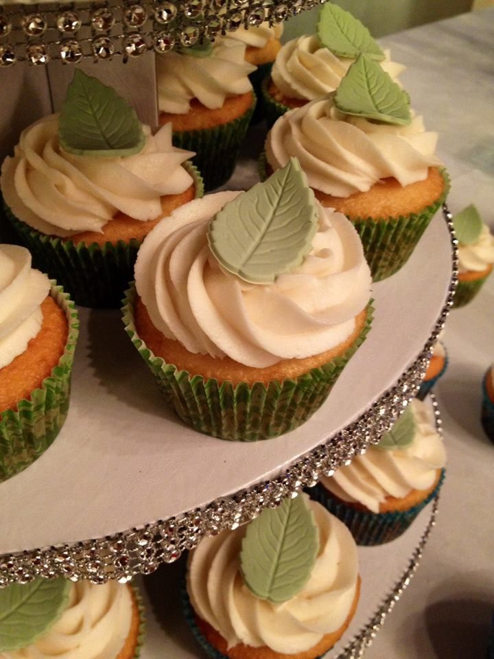 Nature - green leaf Wedding Cupcakes