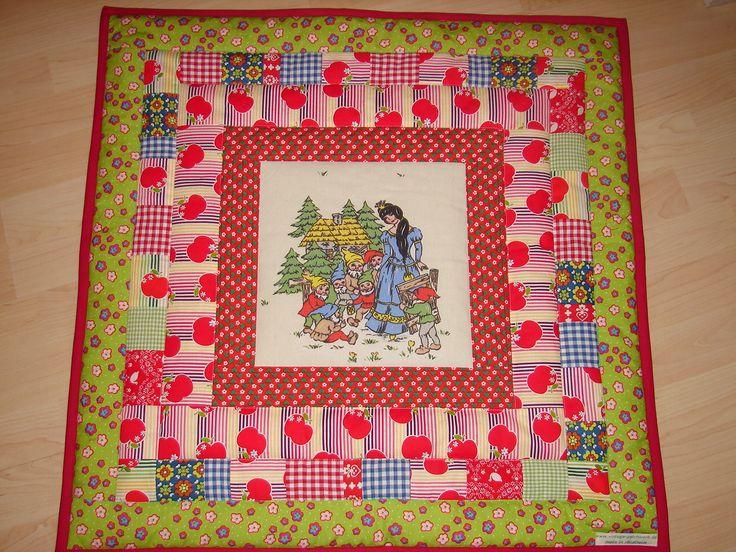 """Quilt for kids """"Schneewittchen"""" vintage fabrics"""