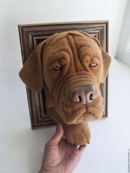 Купить или заказать Панно собаки Бордосский дог в интернет-магазине на Ярмарке Мастеров. Бордосский дог — уникальная порода собак, которая имеет удивительную историю происхождения. Её представители успели побывать в роли сторожей, охранников, пастухов, охотничьих собак, даже бойцов на собачьей арене. Однако французские мастифы, как их еще называют, сохранили уравновешенный, добрый, ласковый характер. Существует несколько версий происхождения бордоского дога.