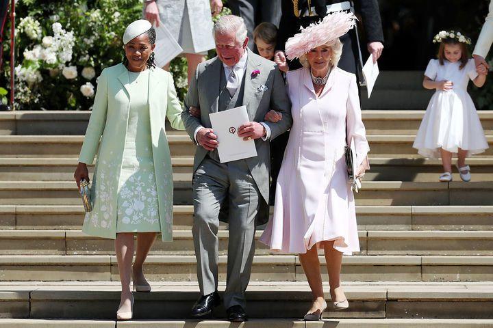 Hochzeitsgaste Meghan Und Harry Das Trugen Die Promis Zur Royal Wedding Prinz Harry Hochzeit Konigliche Hochzeit Mutter Der Braut
