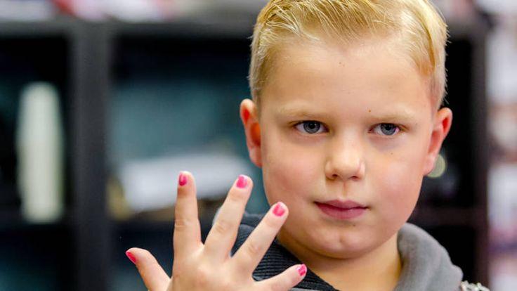 Vandaag, op zijn 7de verjaardag, is Tijns uitvaart | NOS  holland 2017