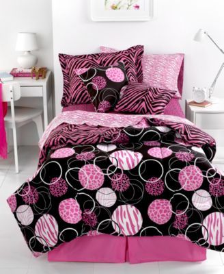 40 best images about monster high bedroom on pinterest bed in a bag lazyboy and comforter. Black Bedroom Furniture Sets. Home Design Ideas