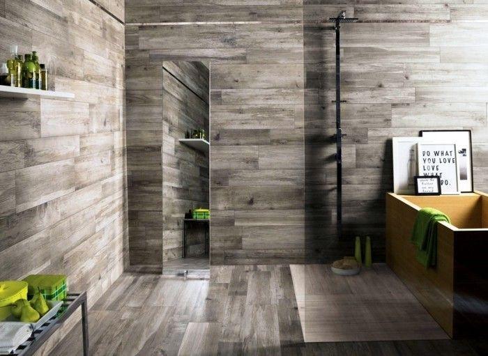 Wandverkleidung Holz 55 Beispiele Dass Holzwande Den Blick Fesseln In 2020 Holzfliesen Dusche Holzwand Fliesen Graue Badfliesen