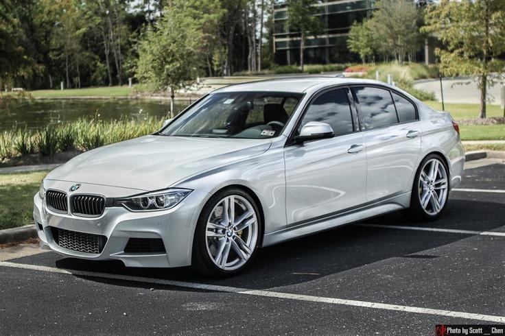 BMW 3 (F30) 2012 con esos rines y altura exacta es uno de mis favoritos