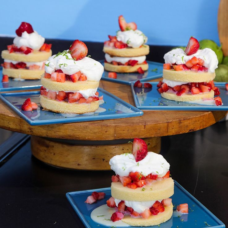 Dos Leches Strawberry Cake | Food Network Asia