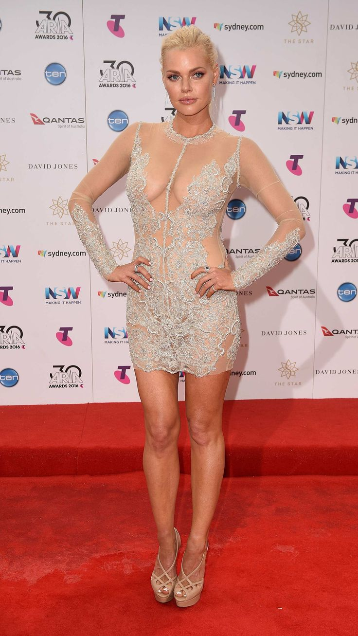 ARIA Awards 2016: The best in Aussie music brave the rain to hit the red carpet