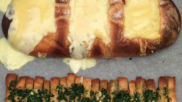 …et Chefclub écrit une nouvelle page dans l'histoire de l'apéro  Ingrédients PAIN DE CAMPAGNE 1 CAMEMBERT REBLOCHON RACLETTE OIGNONS GRILLÉS ROMARIN LARDONS GRILLÉS HUILE D'OLIVE GOUSSE D'AIL 1 PERSIL 1 C.à S. PARMESAN 1 C.à S. AU FOUR 200°C 30 MIN Recette Découper 3 carrés dans un pain de campagne en faisant attention de ne pas percer le fond. Couper les 3 morceaux de pain enlevés en bâtonnets puis réserver. Remplir le premier creux avec une tranche de fromage à raclette. Remplir l...