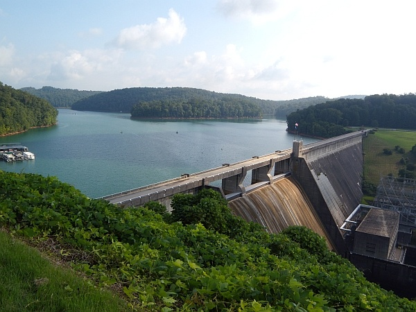 Lake City, TN - Norris Dam located along highway 441 is well known for being the Tennessee Valley Authority's (TVA) first hydroelectric project. The Dam is located on the Clinch River in Anderson and Campbell County TN and is a great stop for your Norris Lake vacation.