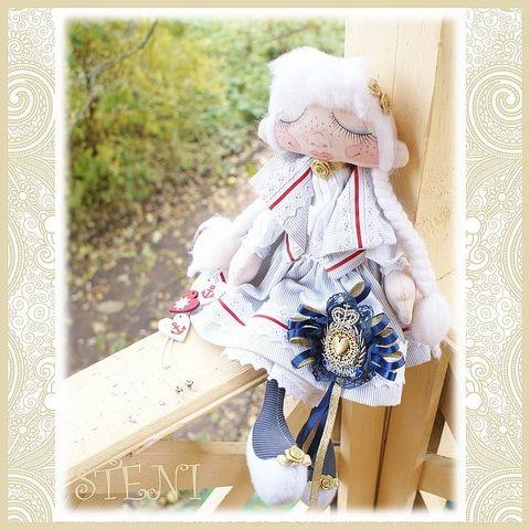 Авторская кукла. Отлично подходит для украшения интерьера. Так же может стать оригинальным подарком.Рост 42 см