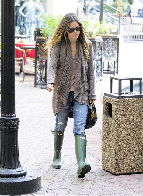 Rachel Bilson green hunter boots