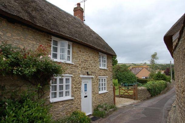Thatch End Cottage Exterior, Burton Bradstock, Bridport, Dorset.