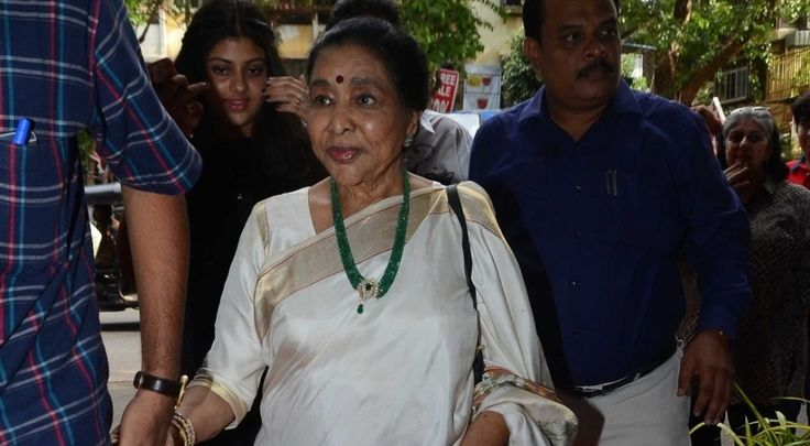 Asha Bhosle's wax statue to be unveiled on October 3 in Delhi , http://bostondesiconnection.com/asha-bhosles-wax-statue-unveiled-october-3-delhi/,  #AshaBhosle'swaxstatuetobeunveiledonOctober3inDelhi