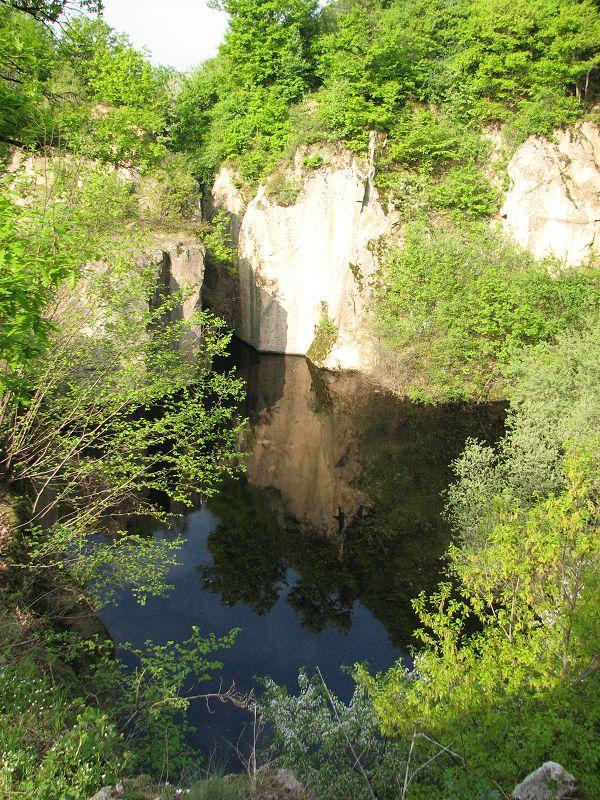 Megyer-hegyi tengerszem, malomkőbánya, pincelakás (Sárospatak közelében 2 km) http://www.turabazis.hu/latnivalok_ismerteto_4324 #latnivalo #sarospatak #turabazis #hungary #magyarorszag #travel #tura #turista #kirandulas