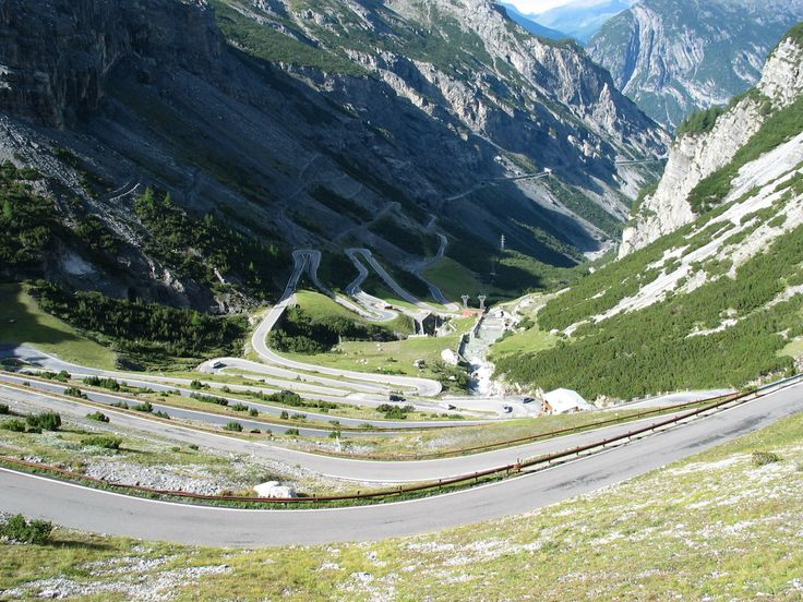 11 gorgeous roads in Europe you need to drive in your lifetime - A road trip is an amazing way to disconnect from the monotony of your daily work life.  There are plenty of beautiful driving options in the US, but for those itching to go overseas, consider Europe.  Here are 11 European roads you should drive in your lifetime:  SEE ALSO:17 stunning roads in the US you should drive before you die  AUSTRIA: Nockalm Road  The 21-mile road cuts through the Eastern Alps inCarinthia. It's closed…