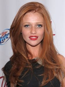 Pictures : Cintia Dicker Hairstyles - Cintia Dicker Long Red Hairstyle