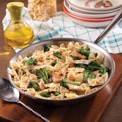 Farfalles express au poulet et brocoli - Recettes - Cuisine et nutrition - Pratico Pratique