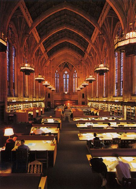 The Graduate Reading Room of Suzzallo Library at the University of Washington   Seattle, WA