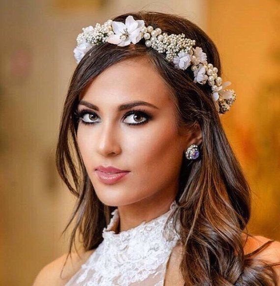 Adjustable Flower crown decorated with an assortment of white flowers, Queen Annes lace, Pearl beads and large pearl clusters! Very Classic and