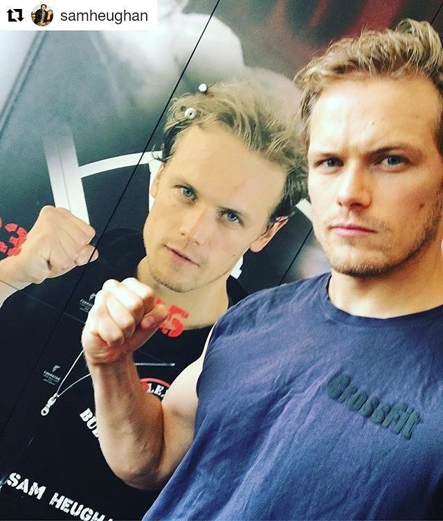 #Repost @samheughan (@get_repost) ・・・ On the undercard for #mayweathermcgregor fight… think he's any good?  #samheughanPCA2017 #samheughan #crossfit