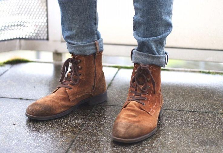 braune Stiefel Wildleder
