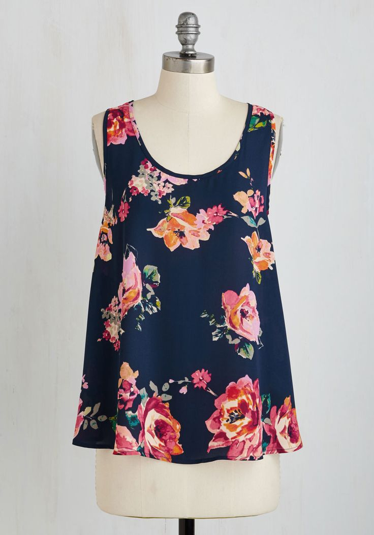 Guten Tag, You're It! Top. Whether you flutter this floral top through the streets of Berlin or along the riverbanks of Dresden, youre sure to feel sweet! #multi #modcloth