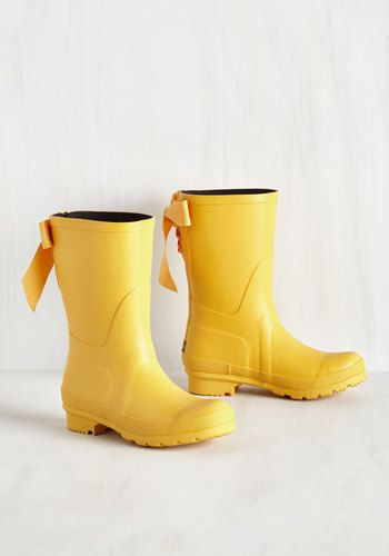 (Lemon brand) Good to the Last Raindrop Rain Boot in Rubber Duck. Can a little rain actually brighten your day? #yellow #modcloth