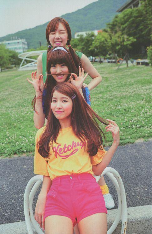 Gfriend- Yerin, Yuju and Sowon
