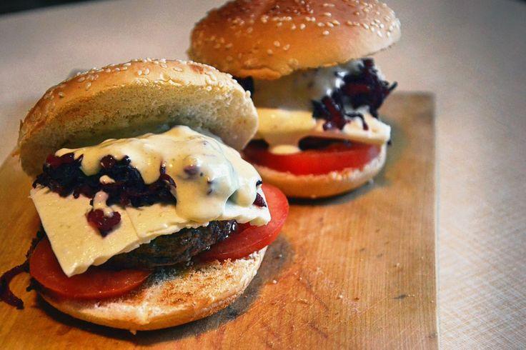 Трансильванский бургер мясо, бургер, Трансильвания, дракула, свекла, чеснок, длиннопост
