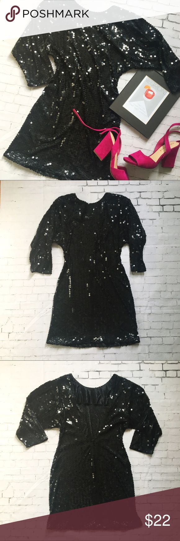 """Show max classic 80s cocktail sequin dress Vintage 1980s show max originals silk and sequin cocktail dress  Mini skirt fitted style with 3/4 wide sleeves and low rise back - no shoulder pads  -in very good condition- - bust 19"""" - waist 15"""" - sleeves 17"""" - - size medium - Dresses Mini"""