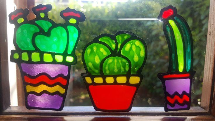 Cactus Vetrofania realizzata con window colors  Associazione ColoriAmo Vivere di Colori