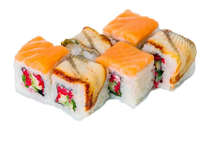 Саке Унаги Маки  Угорь, норвежский лосось, японский майонез, огурец, икра «Тобико», лук резанец Вес: 200 г 330.00 руб.
