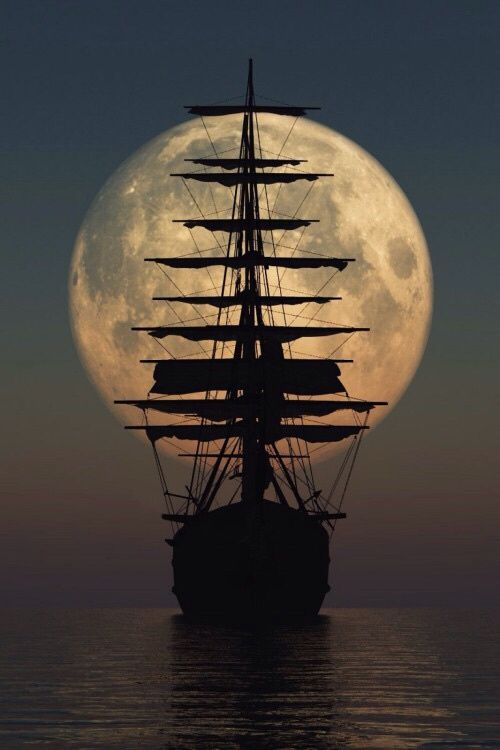 Moon and boat by Alax Math on 500px○ d3100-200mm-iso400, 500✱750px-rating:96.0☀ Photographer: Alax Math
