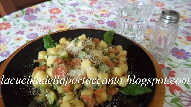 La cucina della porta accanto: Chicche della nonna ai funghi e verdurine